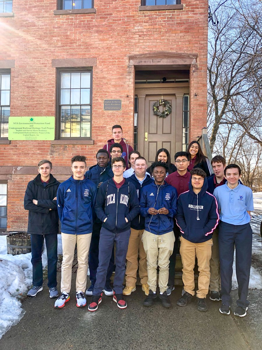 Juniors visited the Henry Hudson Planetarium &amp; the Stephen and Harriet Myers Residence. Scholars learned about the Underground Railroad, astronomy, and the way Freedom Seekers used the sciences to help escape the institution of slavery. #BlackHistoryMonth <br>http://pic.twitter.com/Fi4ZpD7p8S