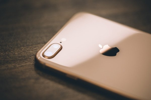 Apple is selling the iPhone 7 and iPhone 8 in Germany again: Two older iPhone models are back on sale in Apple stores in Germany — but only with Qualcomm chips inside. The iPhone maker was forced to pull the iPhone7 and iPhone 8 models from shelves in…  https://t.co/UPuf5zYwIg