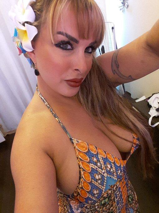 Twitter holly halston sexy Holly