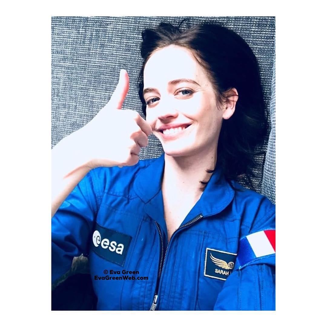 #ValentinesDay greetings from our friend, French actress Eva Green @EvaGreenWeb, who enjoyed shooting #AliceWinocour's #Proxima film at #ESA's EAC last year. 'Happy Valentine's Day, may your day be filled with love & kindness,' says Eva (pic: https://t.co/ZI6XmT8hs0)  #EarthBeMine