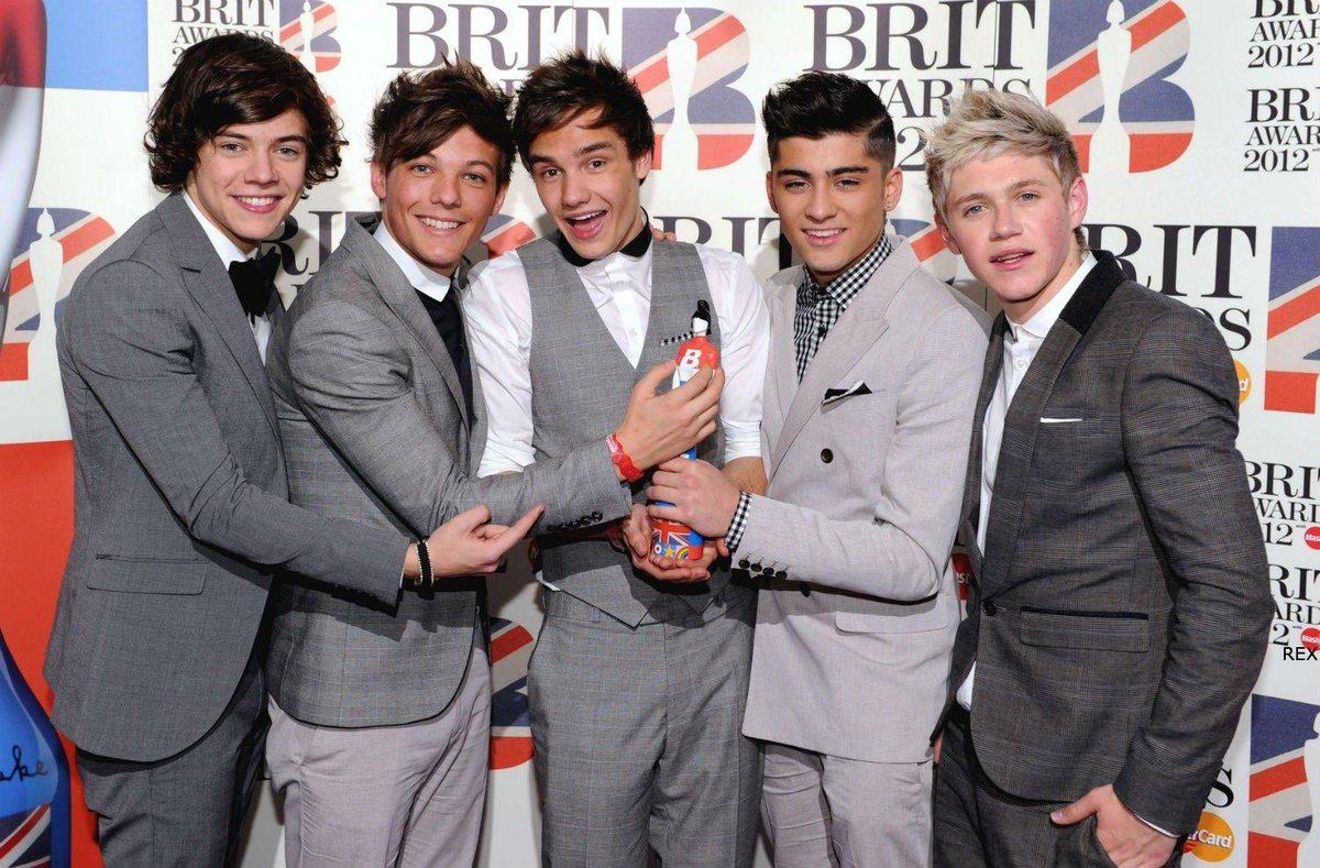Wow. 7 years since we won our first BRIT! Lots has changed but like family you guys have come with us all on our individual journeys. It's a dream to have you in our lives and an honour to be part of yours. Can we win another ?!! #1D  #BRITVIDLIAMRITA