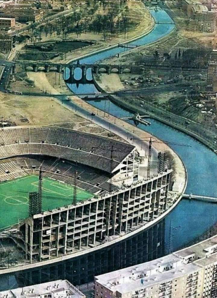 The end of an era. ESTADIO VICENTE CALDERON is almost gone (on this picture it is built) #AtleticoMadrid #vicentecalderon #estadios #stadiums #atleticodemadrid #loscolchoneros #Madrid #Espana