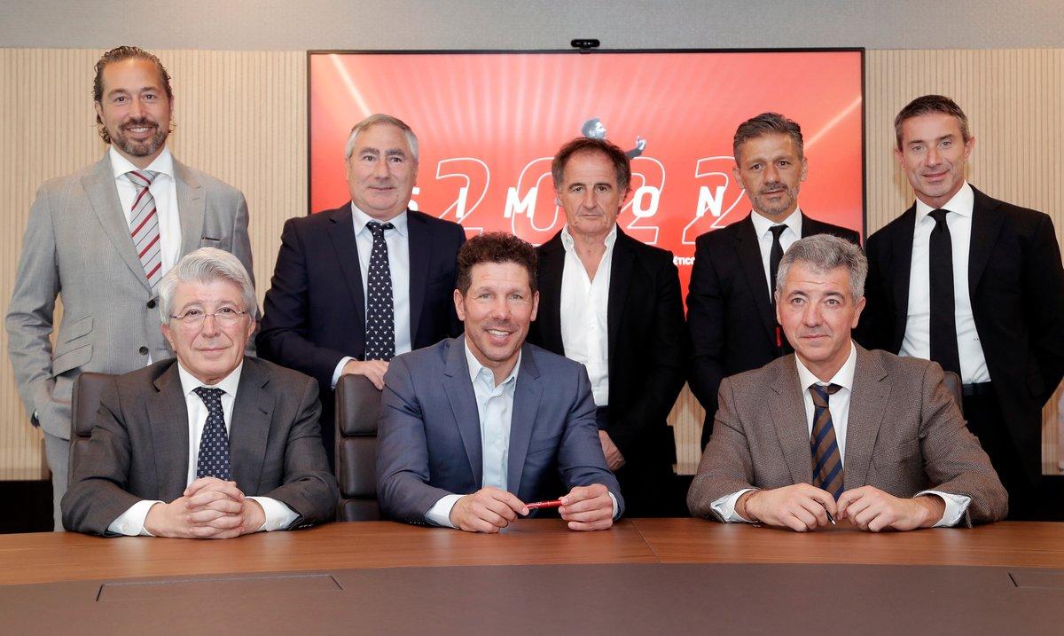 La imagen de la última renovación de Simeone, sin el 'Mono' Burgos (Foto: ATM).