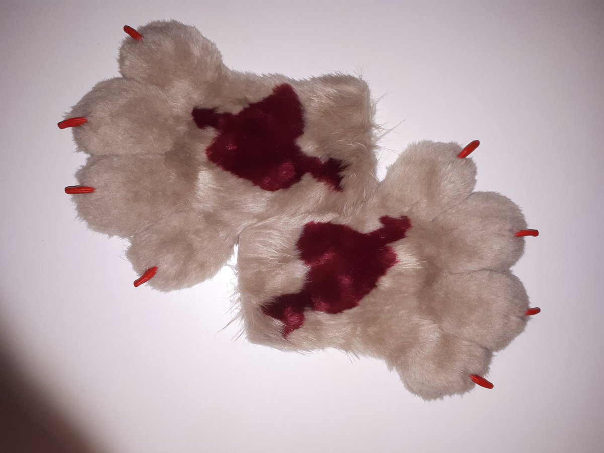 And, as promised the Valentine&#39;s competition prize. A set of puffy fursuit paws with love heart and arrow. Please read the rules for entry to this competition: 1. Like this post 2. Retweet 3. Follow us Competition closes on the 28th of February. Good luck! #fursuit #fursuitmaker <br>http://pic.twitter.com/vvPp92gFR5