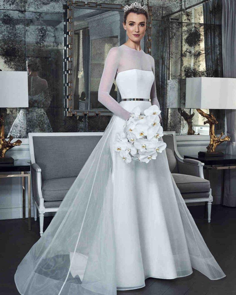 f47557813ab58 احدث موديلات فساتين زفاف رومانسية لعروس عيد الحب 2019