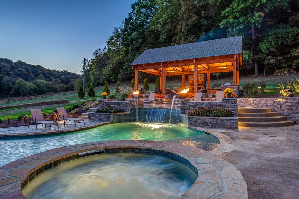 #HappyValentine'sDay, everyone! Wouldn't it be nice to spend it somewhere warm, or in a hot tub like this one?   #pool #pools #nashville #peekpoolsspas #peekpools #poolkings #tvshow #diy #summer #paradise #luxury #luxuryhome #design #valentines #valentinesday #happyvalentines https://t.co/1u1sucsOUz