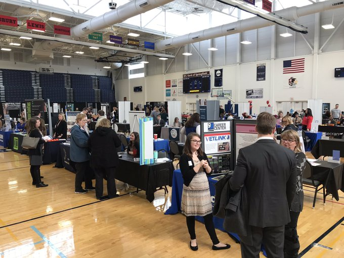 The #UISedu Career Connections Expo is underway at TRAC! Come talk to more than 100 employers until 2:30 p.m. today! Everyone is welcome! https://t.co/BcDsY7l6pU