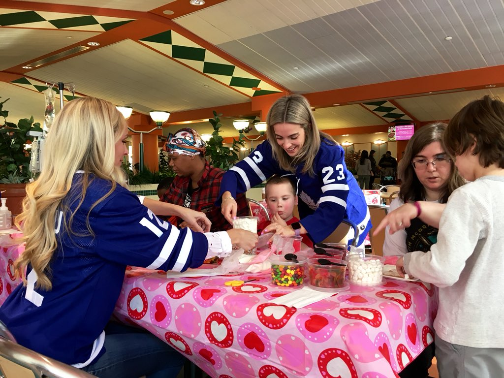 Maple Leafs Friends and Family made a special visit to @SickKidsNews today to decorate cookies and make Valentines.  #LeafsForever