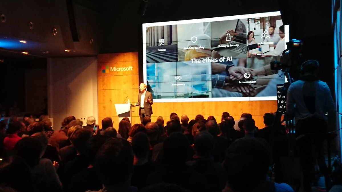 &quot;If there is no regulatory floor for #facialrecognition, there will be a race to the bottom.&quot; @Microsoft President @BradSmi with an inspiring talk on #AI in Berlin<br>http://pic.twitter.com/4rH54JTrVB