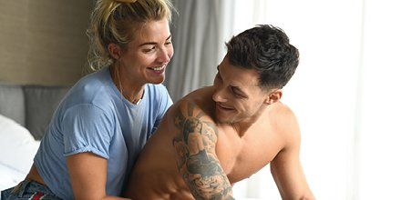 The look of love. Such an amazing couple @gorkamarquez1 @MissGAtkinson. We salute you! Behind the scenes - bit.ly/2RV5gI4 ❤ #FelizdíadeSanValentín #love #couple #cute #adorable #socialenvy #hugs #romance #forever #family #smiles #together