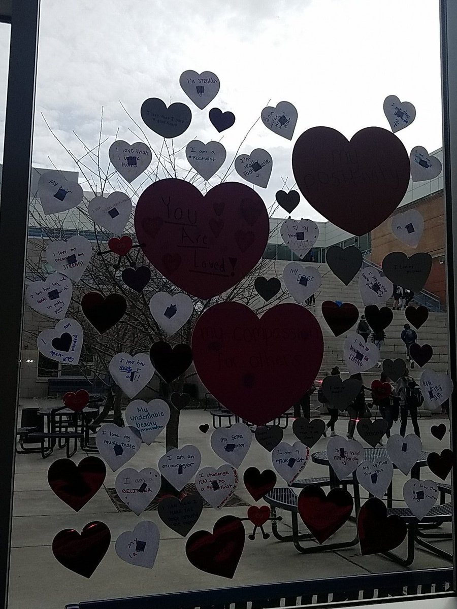 YHS Students create  the R.O.C.S. heart to celebrate what they love about themselves. <a target='_blank' href='http://twitter.com/YorktownHS'>@YorktownHS</a> <a target='_blank' href='http://twitter.com/APSVirginia'>@APSVirginia</a> <a target='_blank' href='http://twitter.com/Principal_YHS'>@Principal_YHS</a> <a target='_blank' href='http://twitter.com/YorktownYB'>@YorktownYB</a> <a target='_blank' href='http://twitter.com/YorktownSentry'>@YorktownSentry</a> <a target='_blank' href='https://t.co/1G1sgGiIgG'>https://t.co/1G1sgGiIgG</a>