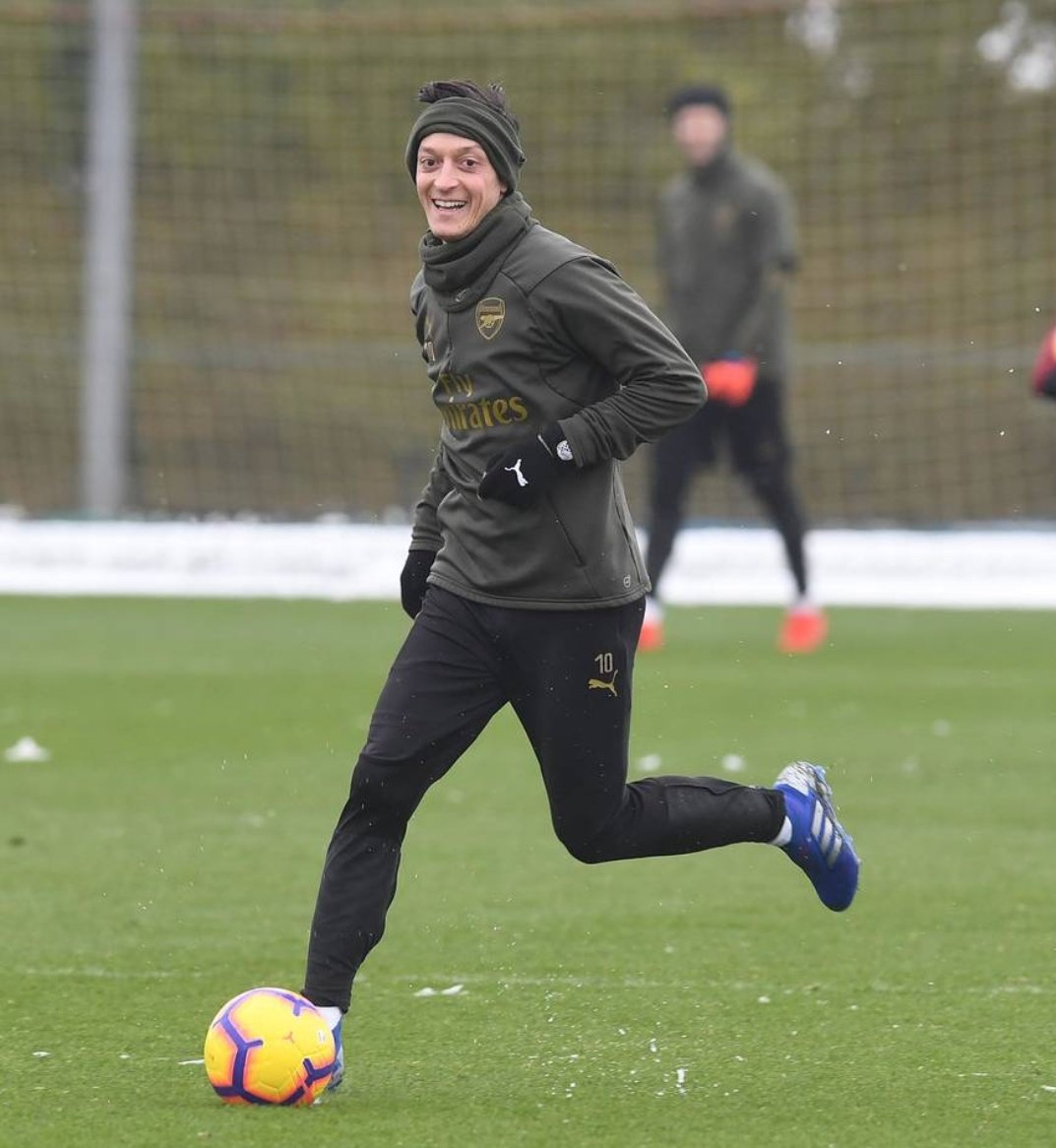 We really miss Ozil. Whatever the problems I really hope the management sort it out. We are suffering because of poor decision making and we need our best players to play every match.