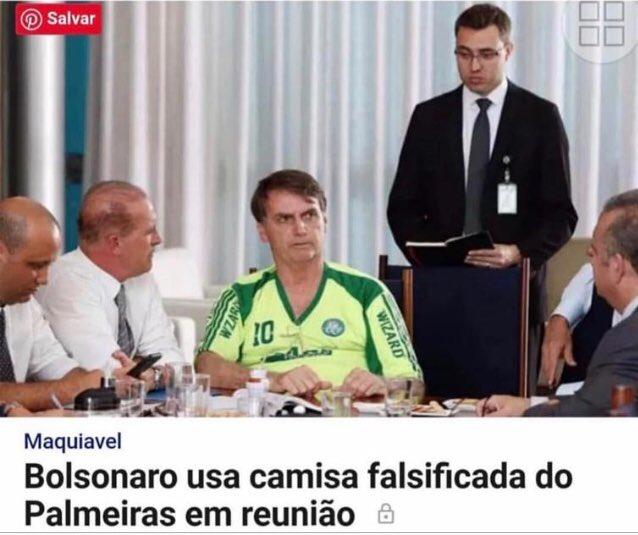 Fake Palmeiras! Bolsonaro usa camiseta falsificada!