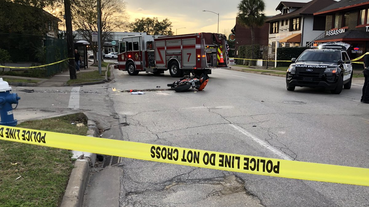 #BREAKING Motorcyclist rushed to the hospital after being hit by an SUV in Montrose. The is Westheimer at Stanford. Police have shut down Westheimer Road in both directions and called crash investigators to the scene. Expect delays in the area. #khou11