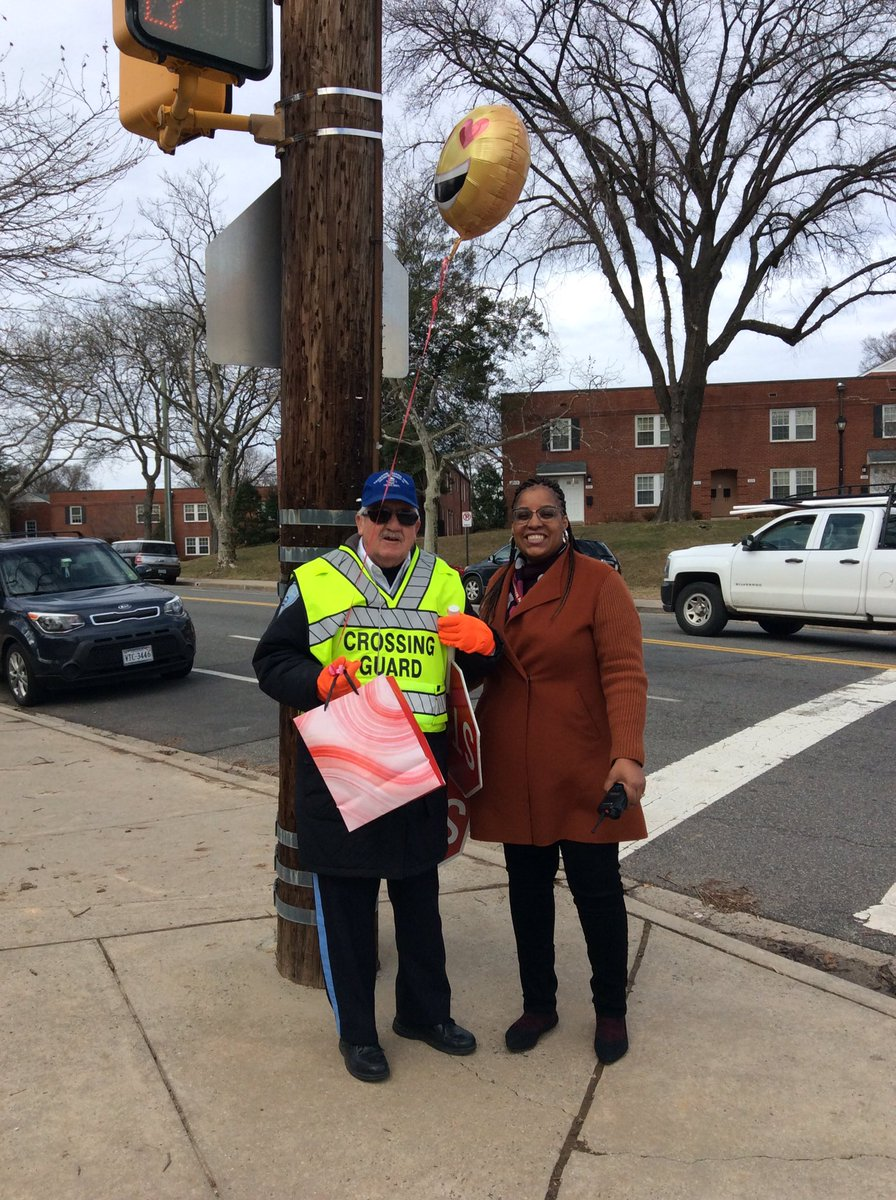 Thank you to our wonderful crossing guard and bus drivers! <a target='_blank' href='http://twitter.com/ArlingtonVaPD'>@ArlingtonVaPD</a> <a target='_blank' href='http://twitter.com/APSsaferoutes'>@APSsaferoutes</a> <a target='_blank' href='http://search.twitter.com/search?q=APSCrossingGuardAppreciation'><a target='_blank' href='https://twitter.com/hashtag/APSCrossingGuardAppreciation?src=hash'>#APSCrossingGuardAppreciation</a></a> <a target='_blank' href='https://t.co/EqwBIZUxkI'>https://t.co/EqwBIZUxkI</a>