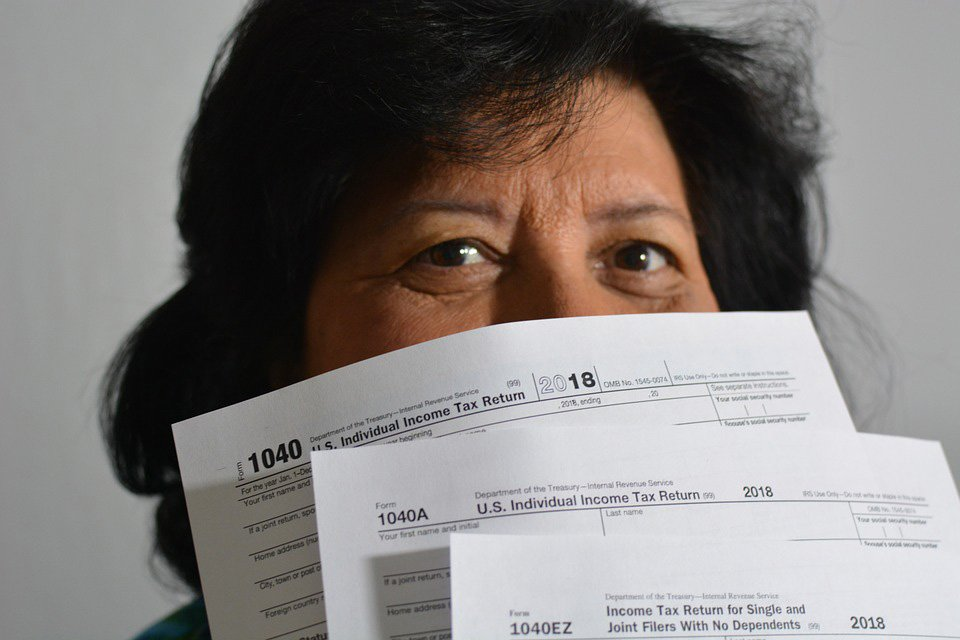 Get a jump start on tax season with free tax return assistance at the @CarrolltonTxLib at Josey Ranch Lake tomorrow from 10 am-2 pm or Monday at Hebron & Josey Library from 10am-5pm. http://bit.ly/2tjhaNG