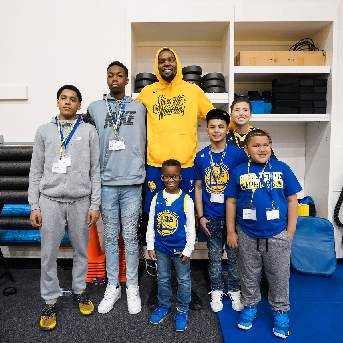 An honor to have hosted these special guests at practice & the game earlier this week 🤗   @SFWish | #DubNation