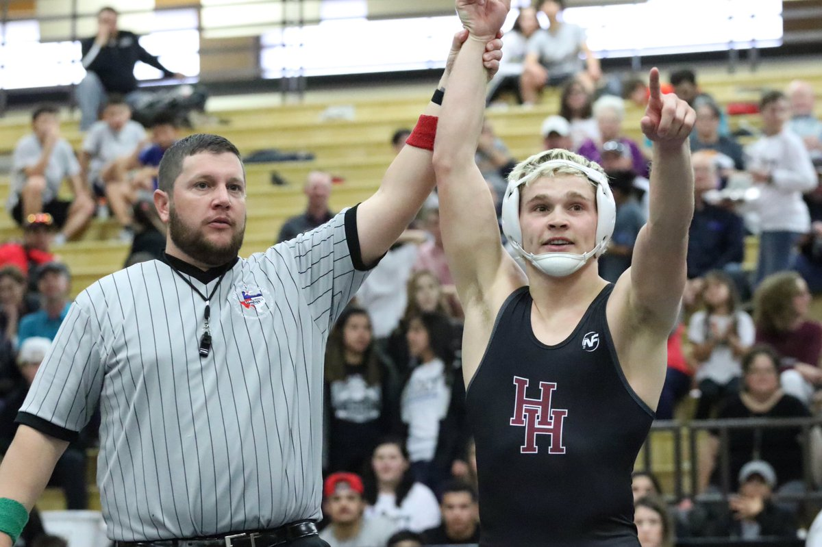 The Region I-5 and I-6A wrestling tournaments get going Friday-Saturday. One grappler to keep an eye on is Hereford's @codydixon23. Here's a great feature by @CJB_TTU with regional previews included. Photo by @BenJYD3 #txhswrestling https://www.amarillo.com/sports/20190214/humble-yet-tough…