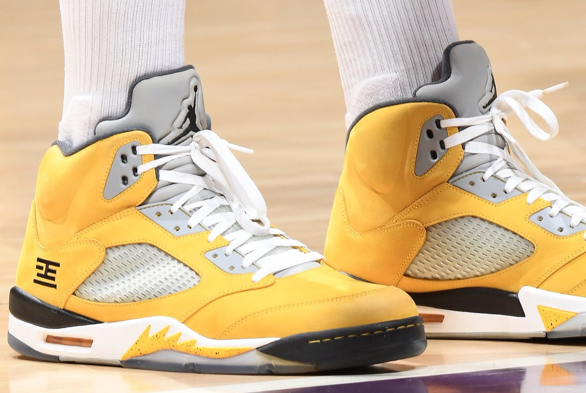 """super popular 61328 7ce21 Started off in the Air Jordan 5 """"Tokyo T23"""" then switches to the DeMar  DeRozan Nike Kobe 1 Protro PE.pic.twitter.com ZId3QpuuiI"""