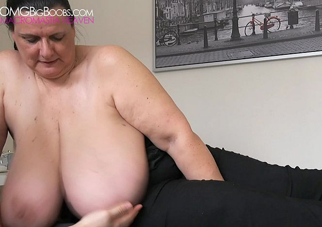 Mary giantess big tits divine breasts