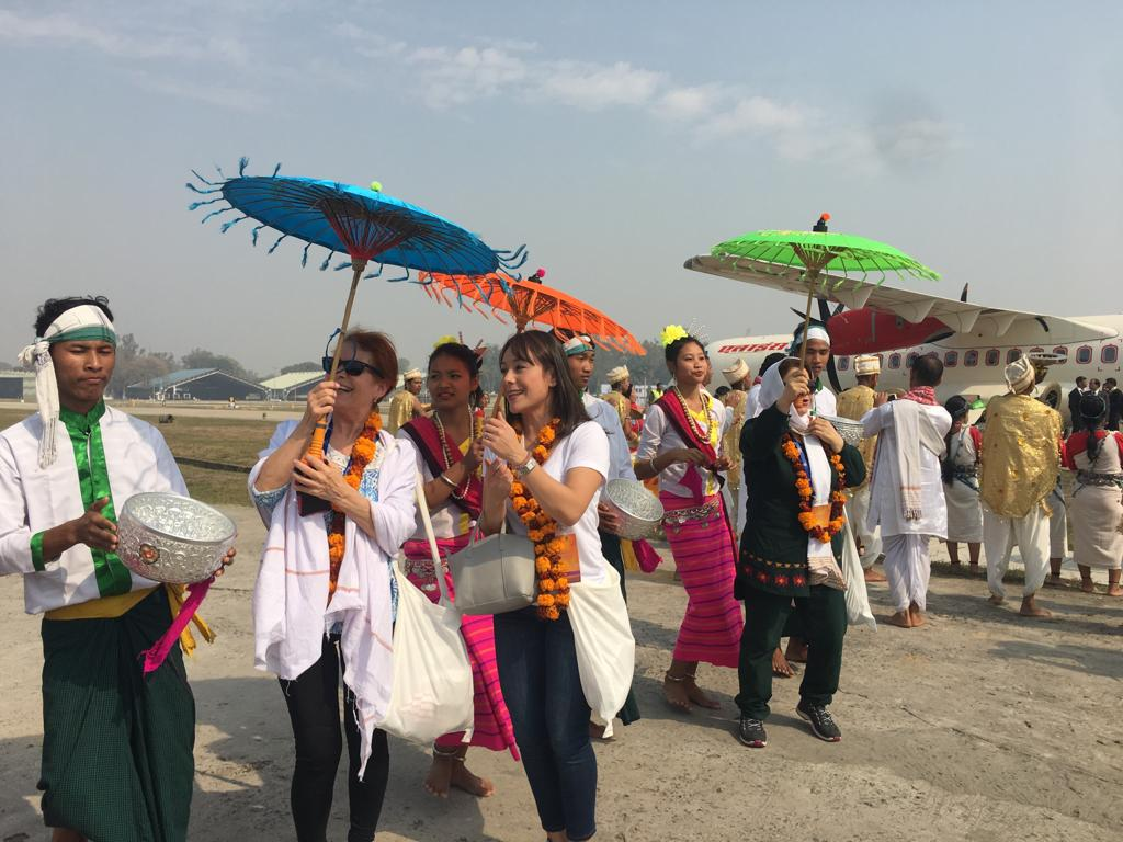Guests from more than 180 countries welcomed at #Bamrauli Airport in Prayagraj. A special trip to #Kumbh2019 has been planned for them to experience the #BhavyaKumbh.