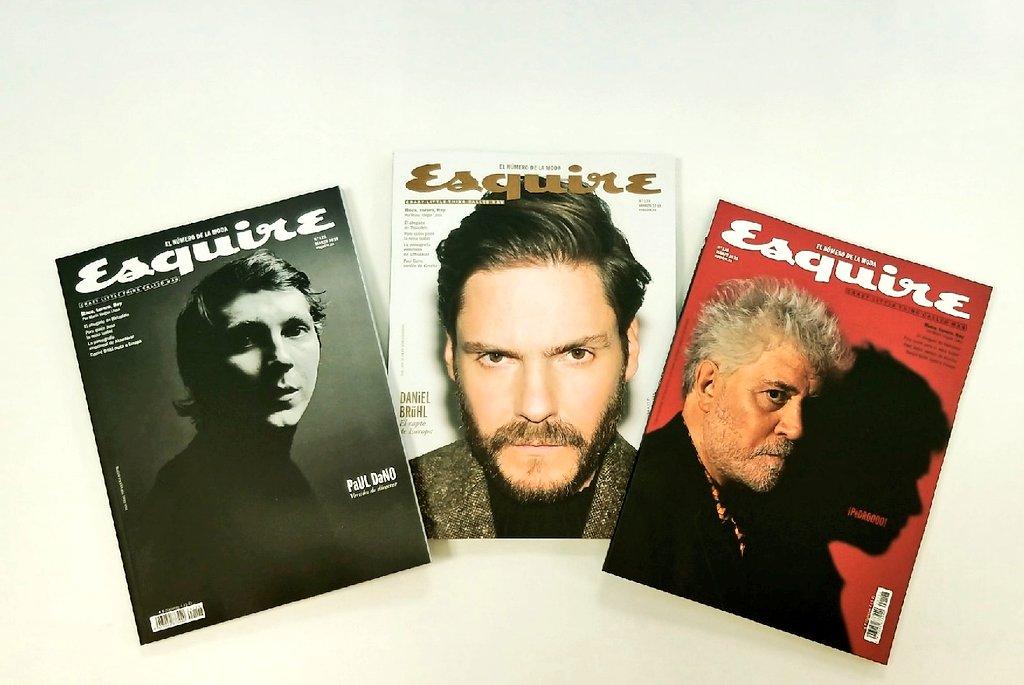 Queridos todos, se nos caen las portadas, las estrellas, los fotones... Este mes en @EsquireEs hemos quedado a tomar algo con #PaulDano #DanielBruhl y #PedroAlmodovar   Gente fetén, gente Esquire