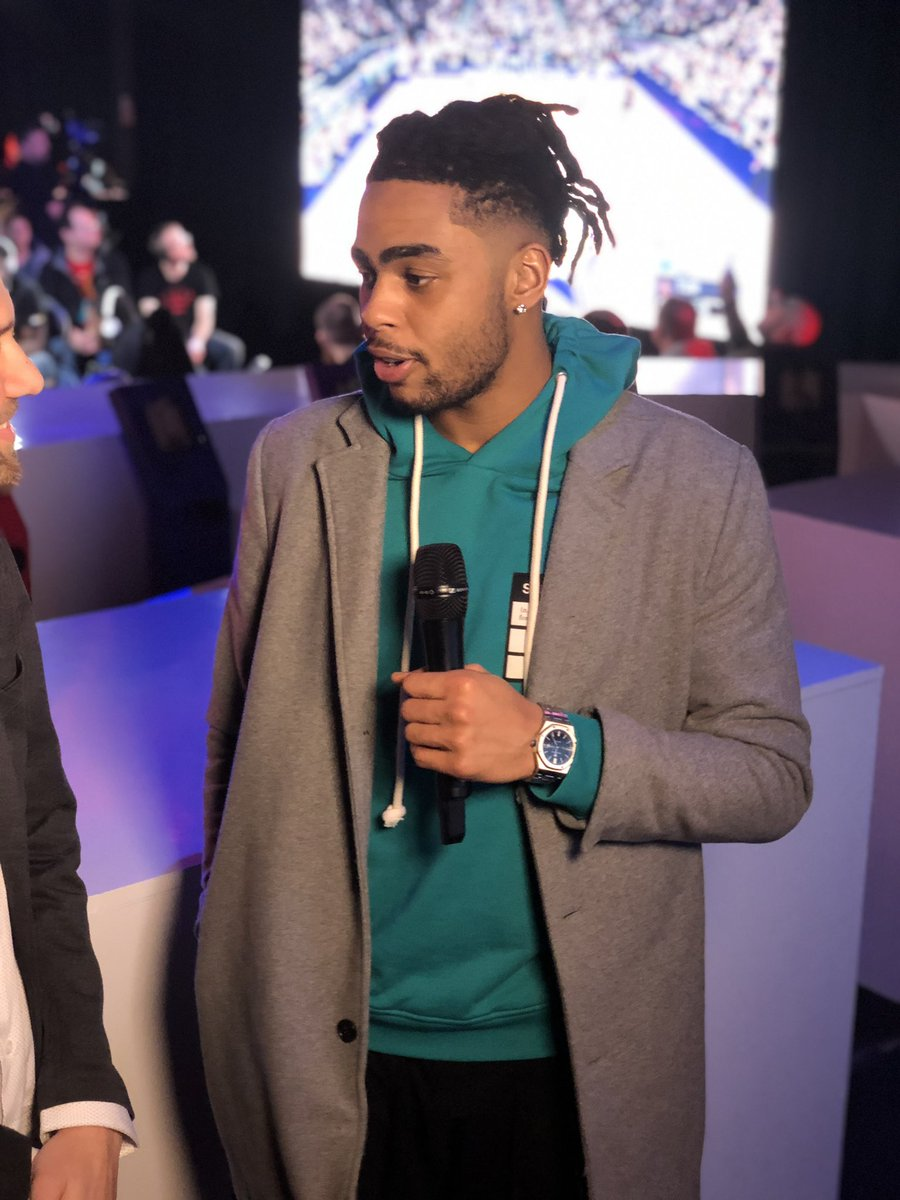 .@Dloading and @KarlTowns are in the building after a close game 1️⃣ of the @NBA2K_MyTEAM Unlimited Tournament, where $250,000 is on the line! @NBA2K   WATCH LIVE: http://twitch.tv/nba2k