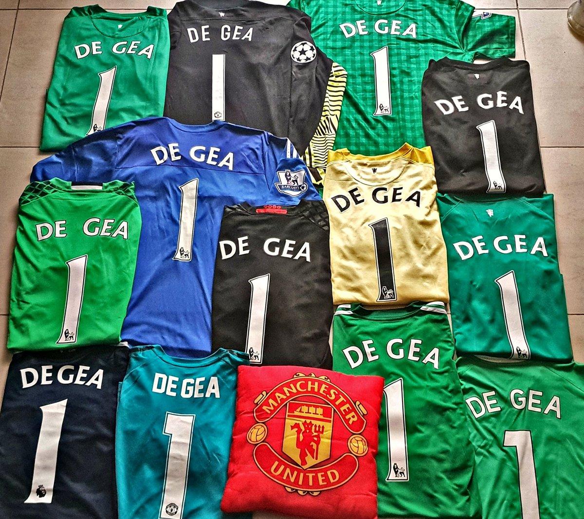 @D_DeGea collection. 💚🖤💛💙❤
