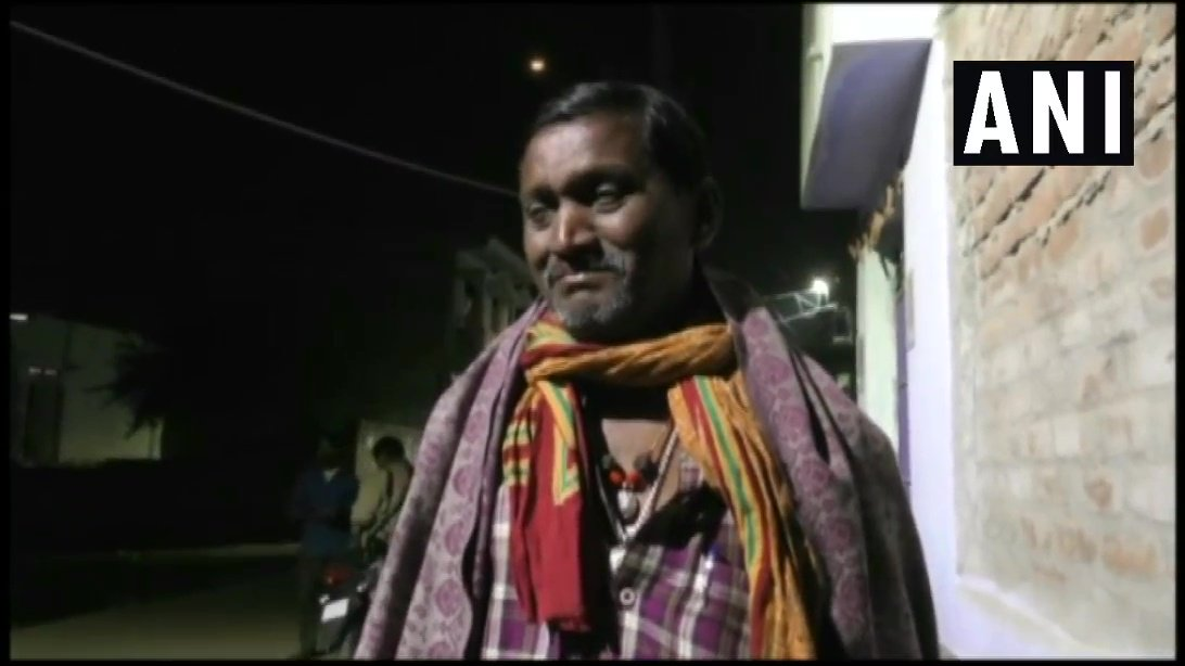 CRPF Personnel Ratan Thakur's (who lost his life in #PulwamaTerrorAttack ) father in Bhagalpur: I have sacrificed a son in Mother India's service, I will send my other son as well to fight, ready to give him up for Mother India, but Pakistan must be given a befitting reply. #Bihar