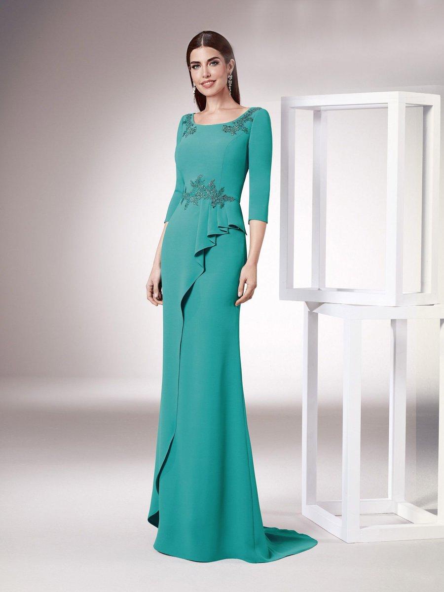 8aefa82ffc ... será el modelo de vestido perfecto para cualquier evento.   vestidofiesta  invitadaperfecta  fiesta  boda  moda  http   ow.ly 3kOI30nDFz1 pic.twitter.com  ...