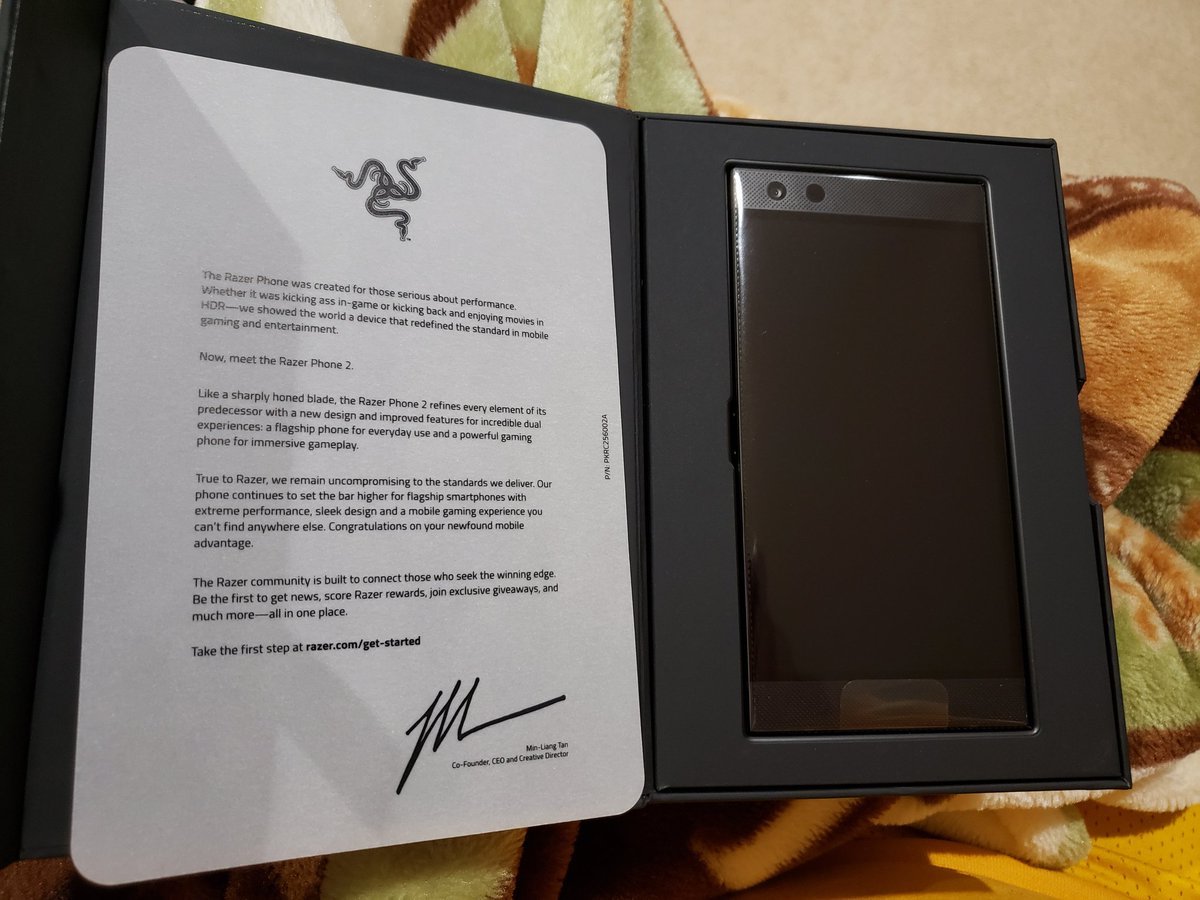 I needed an unlocked phone and I&#39;ve always wanted to try the 120hz gaming phone so I bought a Razer Phone 2  <br>http://pic.twitter.com/DywYRpKd9C