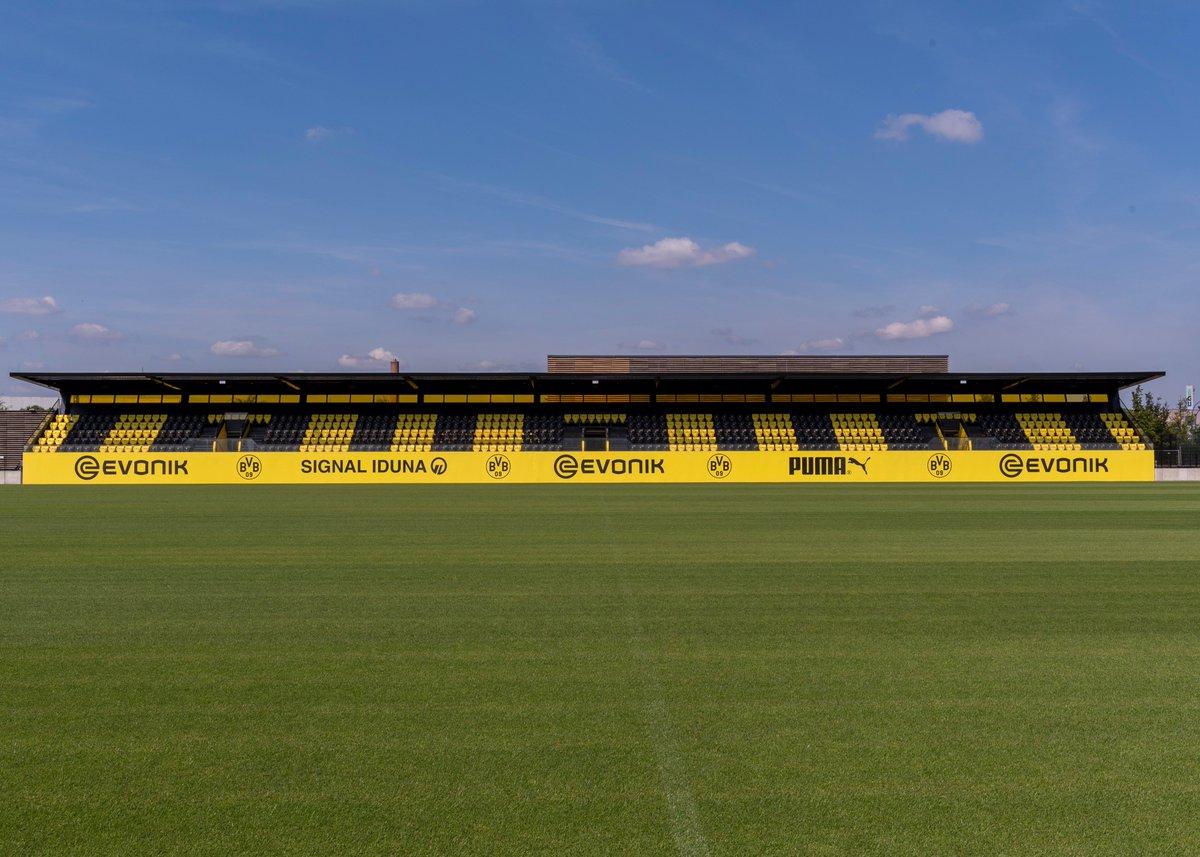 ⚽️ Fußball am Wochenende  #BVBII 🆚 SC Wiedenbrück - Samstag, 14 Uhr (Stadion Rote Erde) BVB U19 🆚 @s04 - Sonntag, 11 Uhr (Dortmund-Brackel)