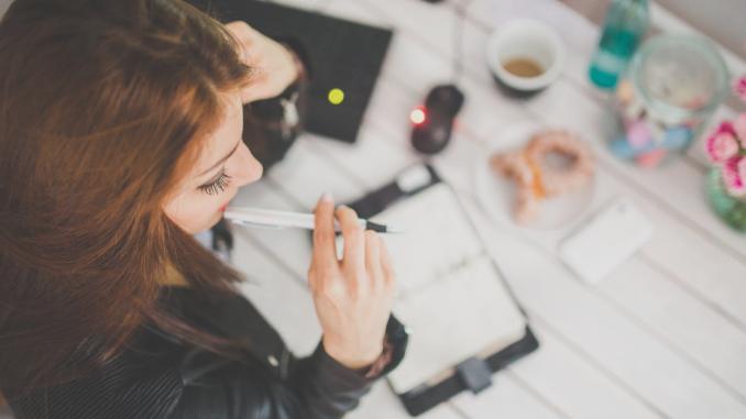 Kamu tipikal orang yang suka menunda pekerjaan?. 4 Cara ini akan membantu kamu. Baca selengkapnya di https://yks.gotraining.co.id/2018/11/27/cara-mengatasi-suka-menunda-pekerjaan/…  #lifehack #lifehacks #Viral #Trending #TrendingNow #Tips #lifestyle #JumatBerkah #scholarship #scholarships #life #workspace #working #daily