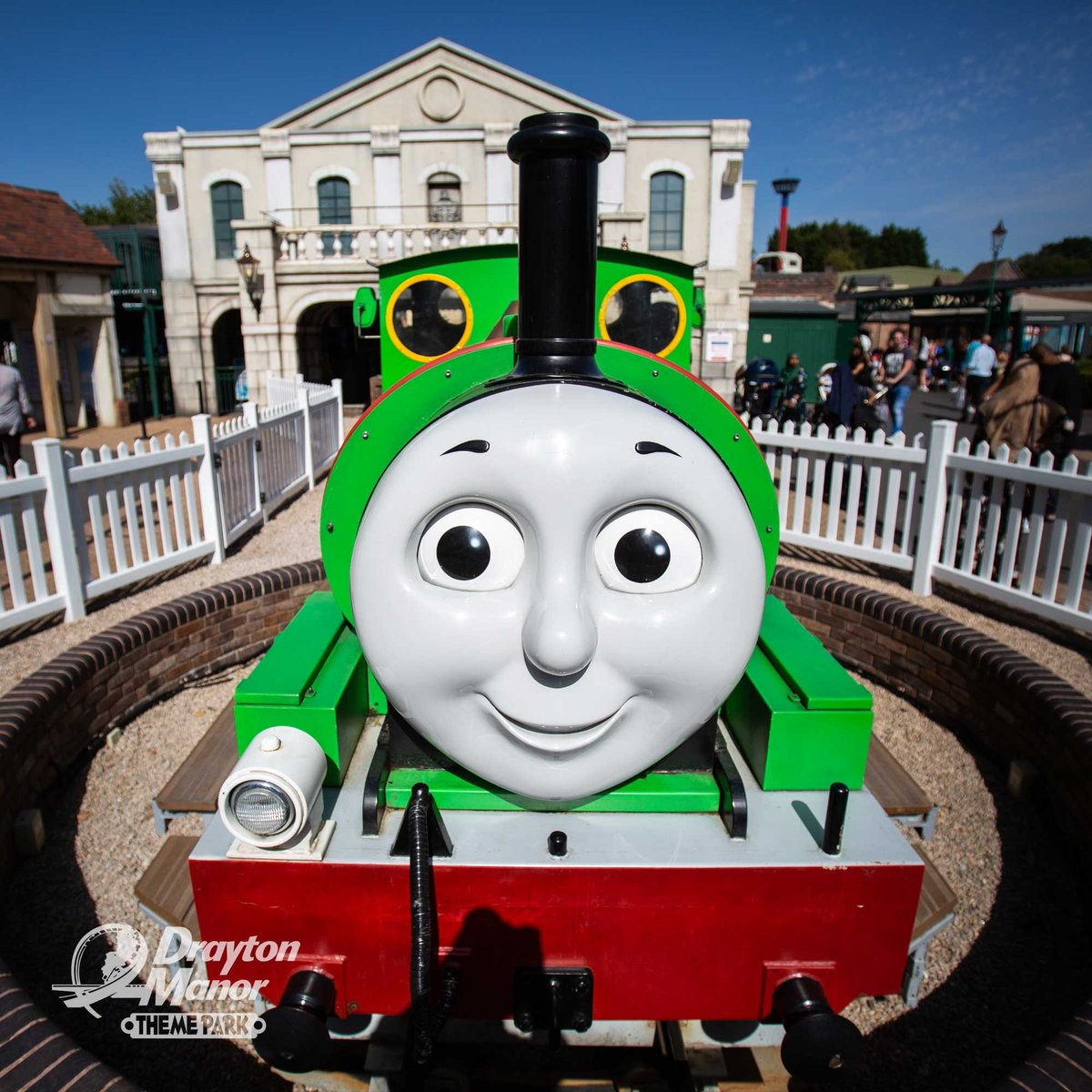 This #FreebieFriday, we are giving you the chance to WIN a family of 4 ticket for Thomas & Friends February Half Term! To enter,  LIKE and RT this post with the name of this friendly green engine. The winner will be announced at 4pm today. T&Cs Apply.   http://socsi.in/8ajzC