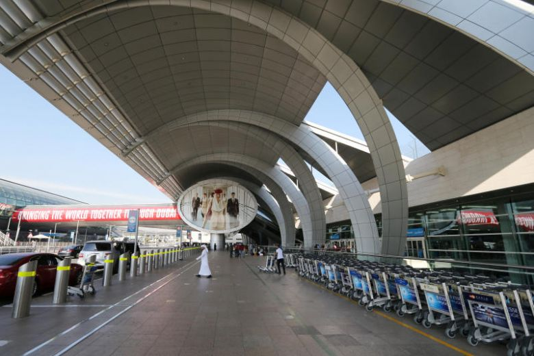 Flights temporarily grounded at #Dubai Airport after #drone activity https://t.co/7MqXdMTjBx