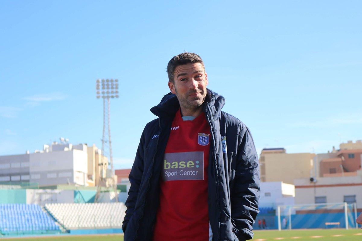 ¡Buenos días! 🌞💙  ⏩ Nuestro equipo entrena hoy en el estadio 🎙️ A las 12:15h @Luis__Carrion pasará por rueda de prensa  #VamosMelilla #ClimbingToTheTop