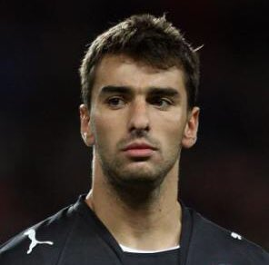 Happy Birthday to Rui Patricio.   This is how he can look without that glorious beard.