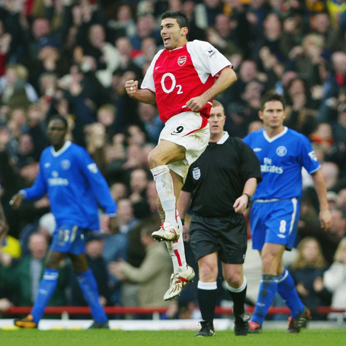#OTD 2004 ⚽️ Jose Antonio Reyes strikes twice in five minutes - his first goals for Arsenal - as the Gunners' come from behind in the #FACup  5th round at Highbury.  Arsenal had now ended Chelsea's FA Cup ambitions for the fourth successive season.