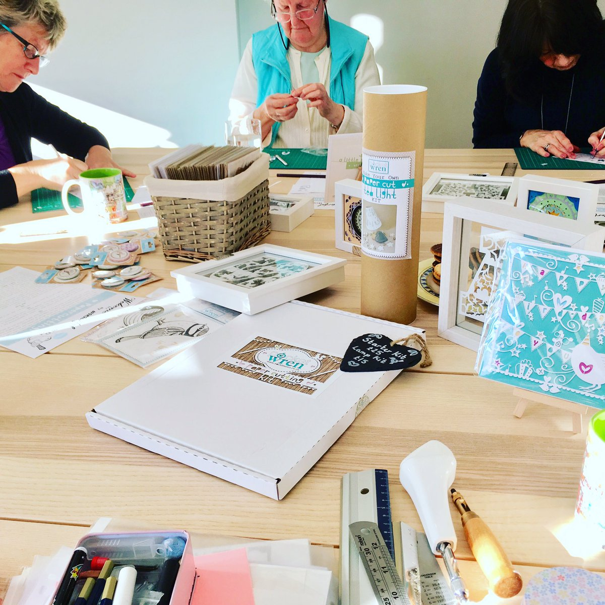 We've got a busy bunch of paper cutters in the workshop this morning, creating paper cut framed monograms with help from the wonderful Pocket Wren. More lovely paper cut classes coming up here on Friday 15 March and Friday 17 May (full details and booking on our Events page) ✨