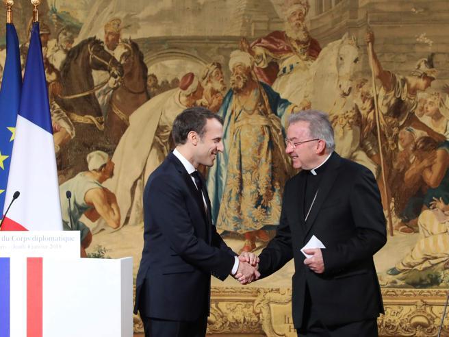 Il nunzio apostolico  del Vaticano in Francia accusato di molestie sessuali https://t.co/b10m8FRpxH