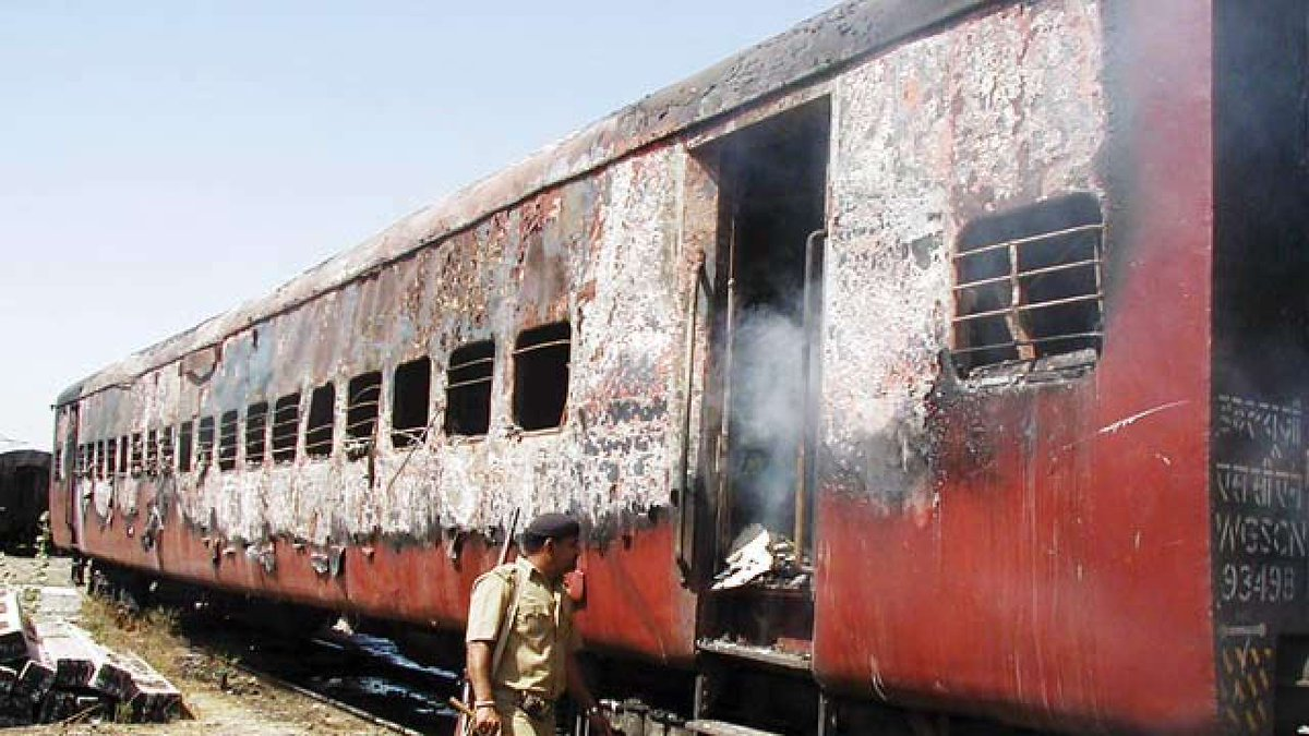 Godhra train carnage: Almost a year after HC verdict, Gujarat govt to give Rs 5 lakh to kin https://t.co/2rJwDvzBhH reports  @SmithaR12