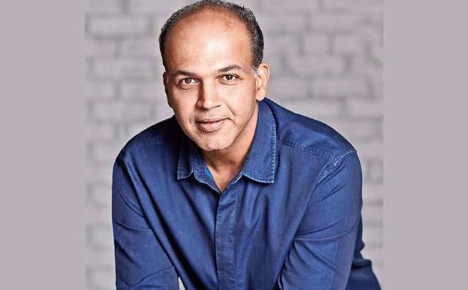 Happy Birthday Ashutosh Gowariker A Visionary Creating Another World In His Cinema!