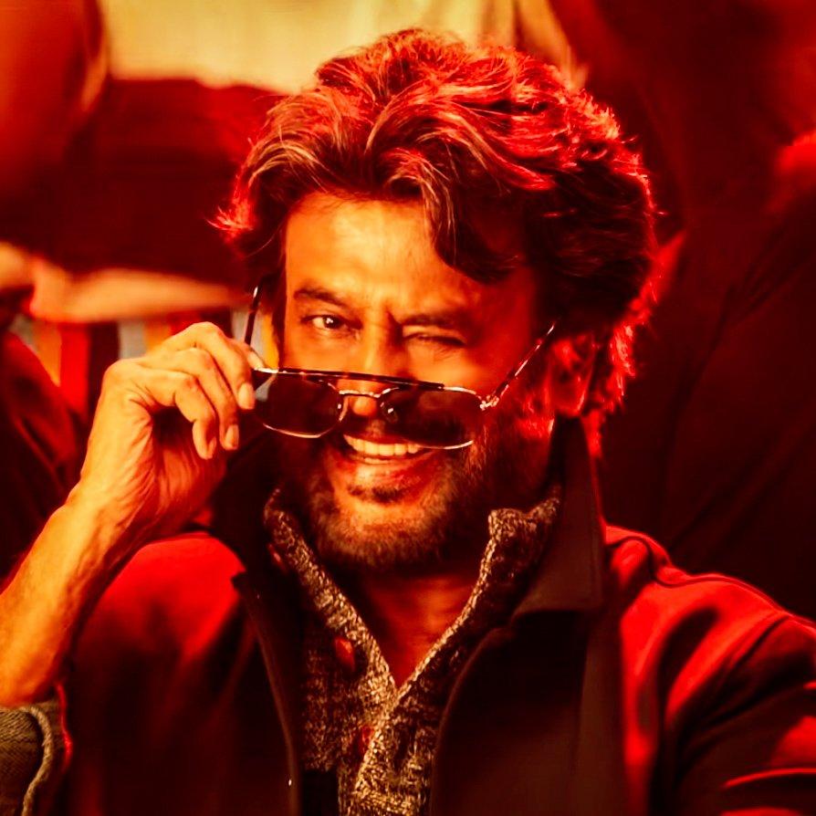 #Petta is the first and only 200CR WW grosser of South India which released in competition with Tamil, Telugu, Malayalam and Hindi movies.   Tamil:  #Viswasam  Telugu:  #NTRKathanayakudu #VinayaVidheyaRama  #F2  Malayalam:  #VijaySuperumPournamiyum  Hindi: #UriTheSurgicalStrike<br>http://pic.twitter.com/YpKnSdm5XH