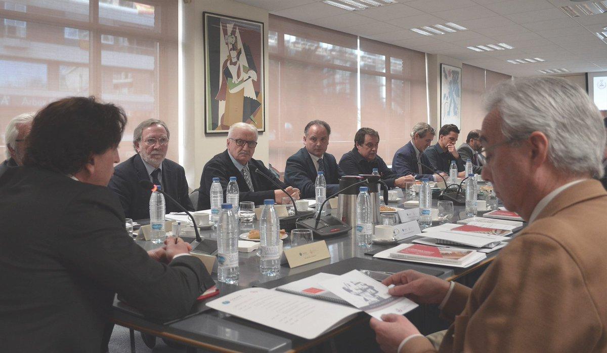 Algunos de los puntos del orden del día de la reunión de la CODATIE y CGATE son: ✔️Programa de becas para doctorandos ✔️Ayudas para Congresos ✔️Premios TFG ✔️Repositorio #RIARTE ✔️Puesta en común de iniciativas #conectAT