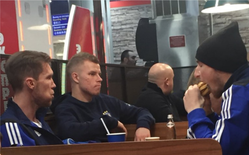 Alexander Hleb & the BATE team celebrating their win with a Double Whopper meal at Burger King 🍔😂  http://www.sportbible.com/football/funny-bate-borisov-players-continue-celebrations-with-8-am-burger-king-trip-20190215?source=facebook …