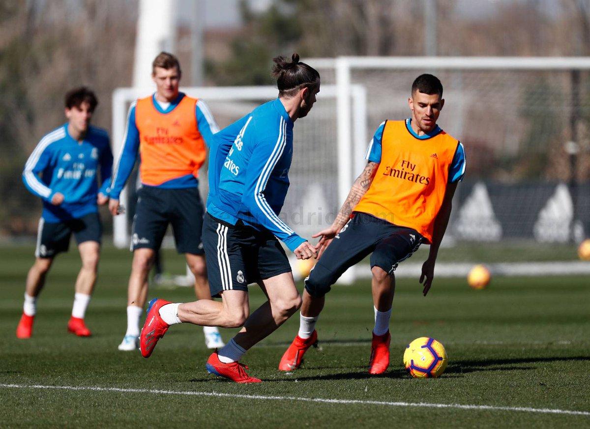 ¡Las tres novedades en el entrenamiento del Real Madrid!  https://bit.ly/2V6fUtR  #RealMadrid #Solari #HalaMadrid