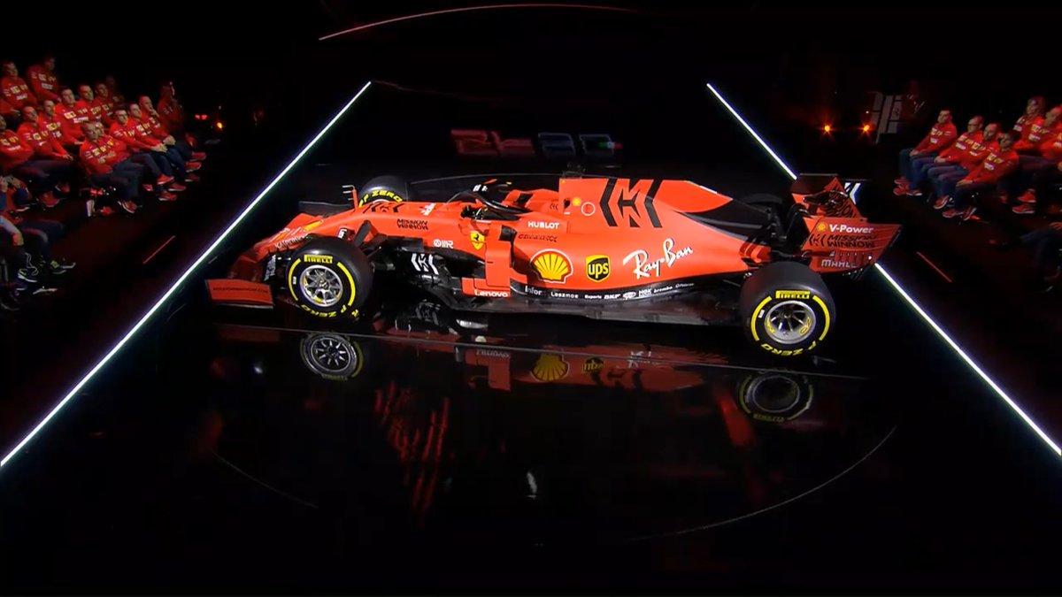 Apresentação do novo carro da #ScuderiaFerrari para temporada 2019 do mundial de #Formula1 SF90 está belíssimo em seus detalhes em preto Buona Fortuna @ScuderiaFerrari #essereFerrari #ForzaFerrari #LaFerrariDellaFerrari #Maranello #Seb5 #F1 #SF90 #Tifosi