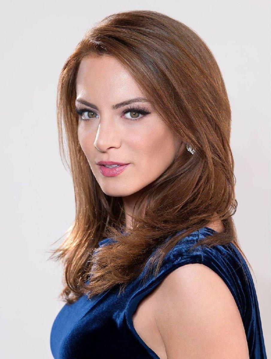 #OMG ¿@silvnavarro se casa? Todo indica que la actriz dará el 'SI' para siempre 😱👉👉 https://t.co/oyVdfospdP