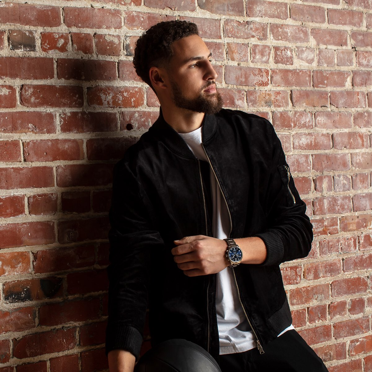 Come hangout with us and @klaythompson at the #TissotStyleLounge tomorrow from  4pm-5:30pm. Link for all the details: https://us.tissotshop.com/nba-allstar-2019-events… #ThisIsYourTime