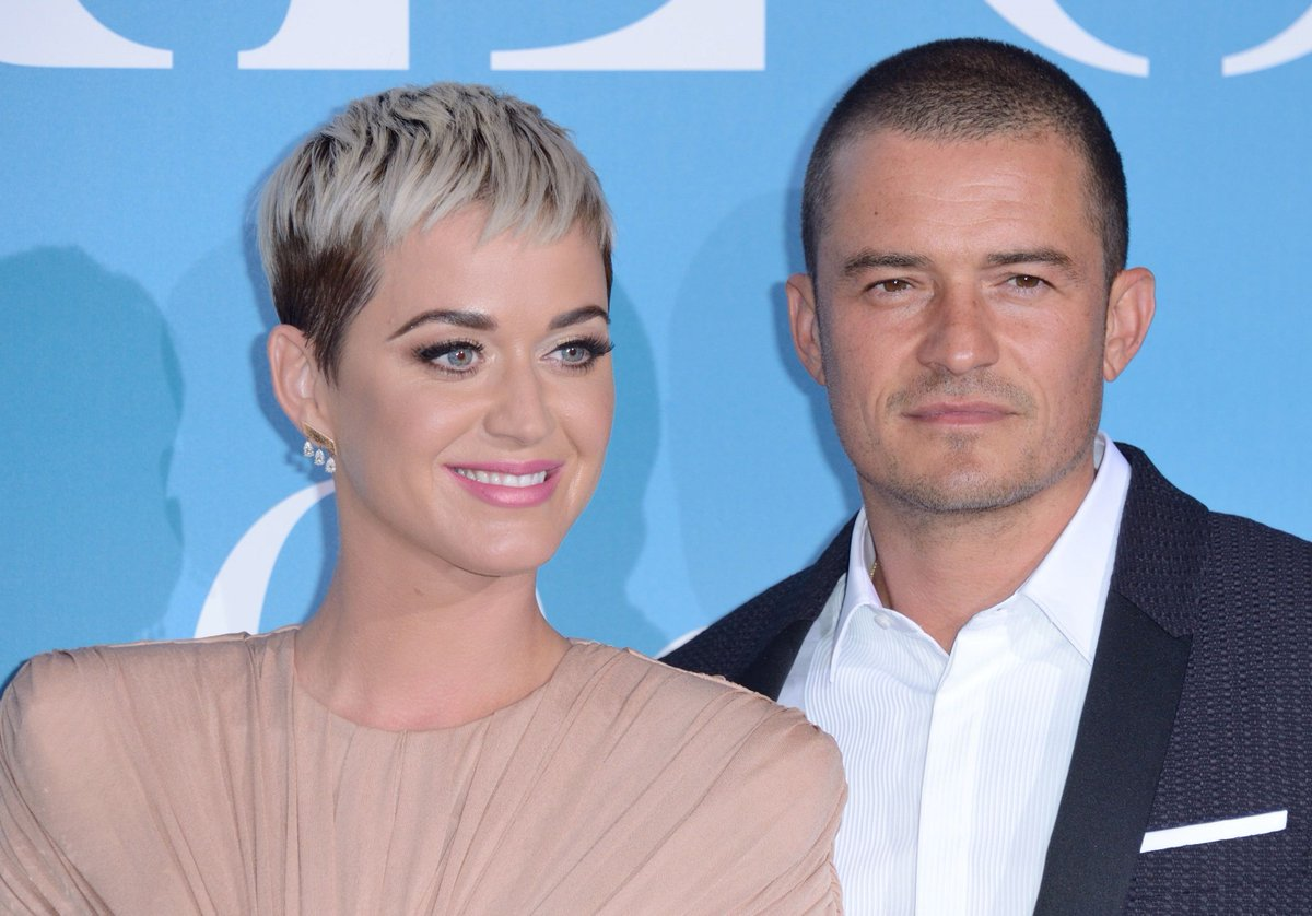 Katy Perry et Orlando Bloom se sont fiancés https://t.co/4TYjU5EquW